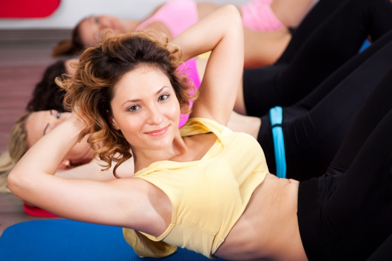 2034836-group-of-gym-people-in-an-aerobics-class
