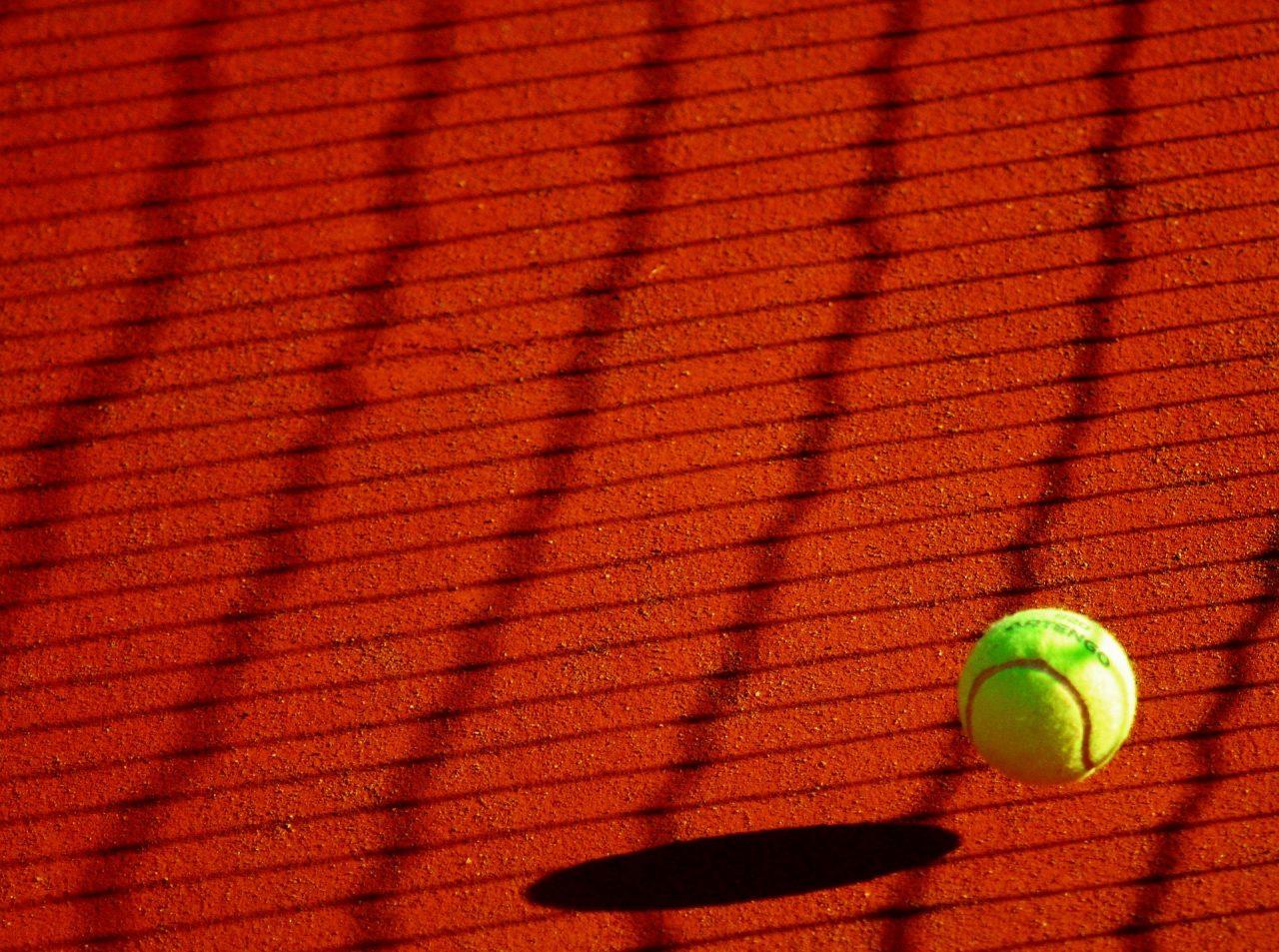 tennis-178696_1920-1280x953.jpg