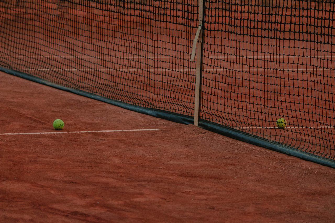 tennisute-1280x853.jpg